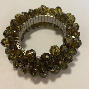 🔴 3 for $25/Beautiful green glass beaded bracelet